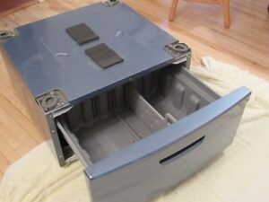 Kenmore Washer/Dryer Pedestal