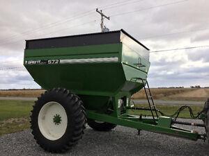 Grain cart Brent 572