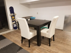 Small apartment table & 2 chairs