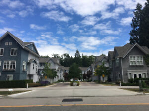 $2100 / 3br  - 1400ft2 - amazing 3 year near new townhouse for r