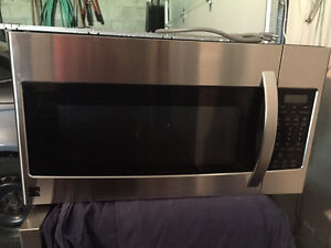 Microwave Hood Combination/Four a Micro-ondes a Hotte Integree