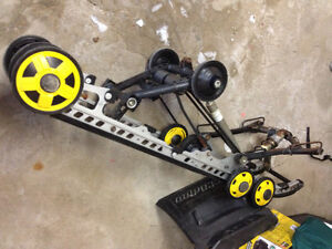 suspension 137 skidoo bombardier année 2013 2014 350$