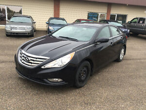 2011 Hyundai Sonata ( Nice n Clean ) Sedan