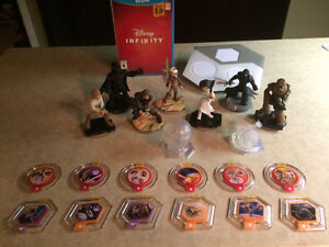 Ensemble jeu + figurines Disney INFINITY 3.0 (Star Wars) WiiU