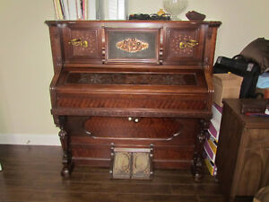 Antique Reed Organ Free to a good Home