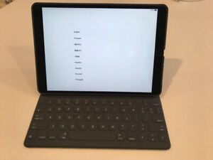 IPad Pro 10.5 with Pencil and Keyboard Case