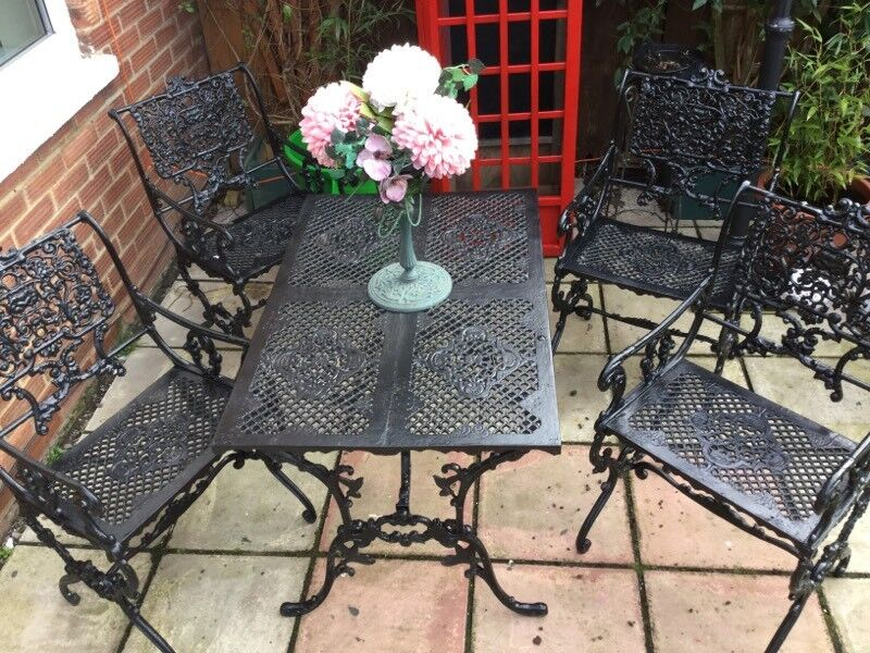 garden table and chairs very reare set used - Garden Furniture Kings Lynn