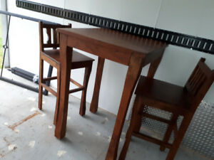 Bar Table w/ 2 chairs