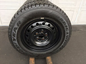4 Pneus Hiver GOODYEAR 215-65-16 + Rims JEEP COMPASS
