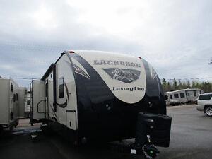 2017 LACROSSE, 329 BHT, TRAILER, MONCTON