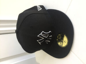 New Era Fitted Cap 59Fifty New York Yankees Baseball Hat Size 7.