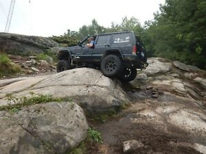 2000 Jeep Cherokee Sport SUV, Crossover