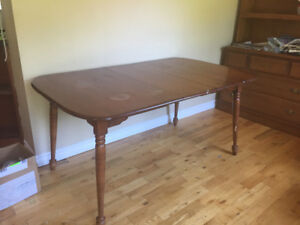 Vintage Vilas Table and 6 Chairs
