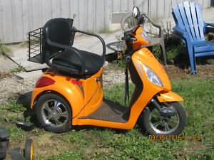 GIO MOBILITY SCOOTER