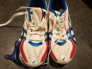 Asics track spikes shoes kids size 3 but fits more like 2.5
