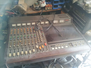 LOTS OF VINTAGE/ANTIQUE RADIOS/RADIO STATION/DJ EQUIP ETC Belleville Belleville Area image 5