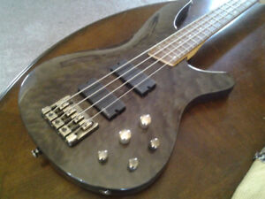 IBANEZ BASS WITH ACTIVE EMGHZ PICKUPS