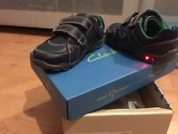 6 size H width - clarks - boys - infant - trainers - light up
