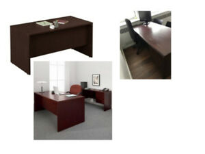 HIGH QUALITY GLOBAL OFFICE DESK - GENOA COLLECTION - MINT CONDIT