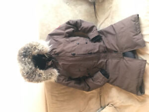 SELLING CANADA GOOSE SIZE S (KENSINGTON PARKA) COLOUR: BROWN