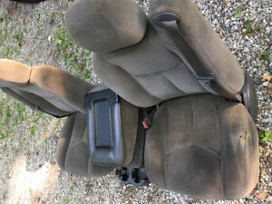 03-06 Non power Cloth seats and front door panels