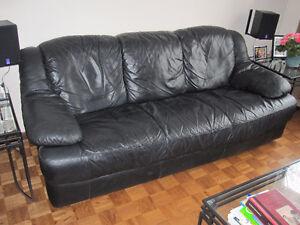 Sofa cuir, pouffe, 2 tables d'appoint et 1 table à café