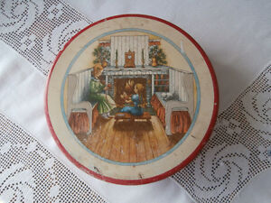 VINTAGE CHRISTMAS TIN FIREPLACE KNITTING KITTEN