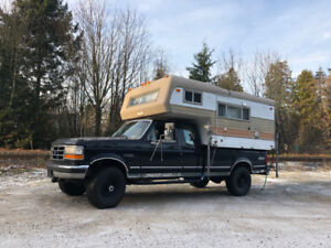 1995 Ford f-250 XLT with Vanguard Camper