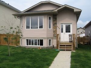1200sqft 3Bedroom Home in Timberlee (Main floor suite)