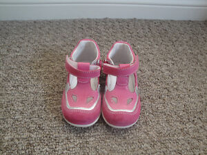 Brand New Romagnoli Made in Italy Pink Suede Velcro Shoes