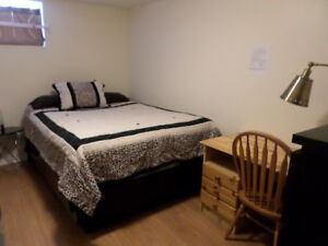 NAIT APPRENTICESHIP STUDENT - 1 block to NAIT - Fully furnished