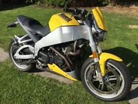 BUELL XB9S LIGHTENING 900CC SPORTS BIKE, 2004/04 PLATE WITH LOW MILEAGE.