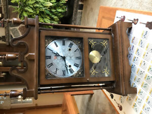 Mantle or wall pendulum clock, good condistion, works.