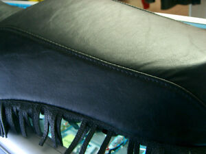 "Harley sporty ""close"" fringe seat   @recycledgear.ca Kawartha Lakes Peterborough Area image 7"