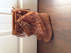 Brown suede summer boots.