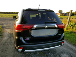 2016 Mitsubishi Outlander AWD front end damage no brand