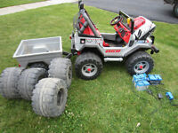 Peg Perego Jeep Gauncho with trailer