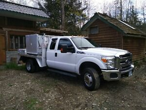 2014 Ford XLT Pickup Truck with Aluminum Powder Box