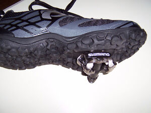 Bike shoes with clip in pedals