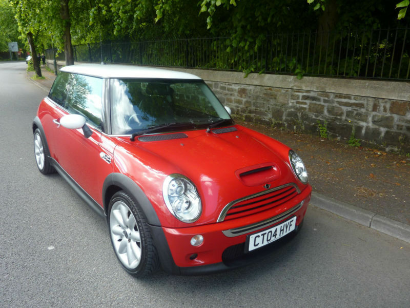 2004 04 Mini Cooper S 1 6 Chilli Pack 3 Door In Bright Red With