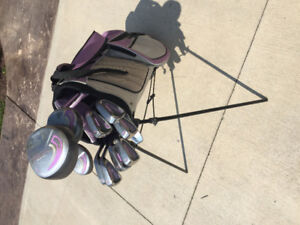 Ladies Dunlop right handed complete golf set