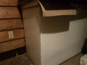 Used ice chest- new price Kingston Kingston Area image 1
