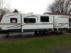 Roulotte Pioneer 31DS 2014 31 pieds