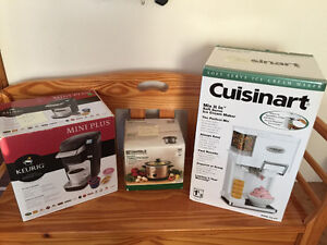 SMALL KITCHEN APPLIANCES.   PRICE REDUCED