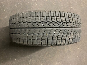 Set of 4 Michelin X Ice Xi3 Winter Tires 195/55R16