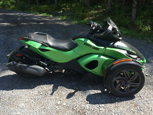 Can-am spyder rss sm5 2013