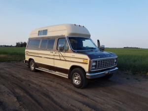 1979 Ford chateau club wagon camper van