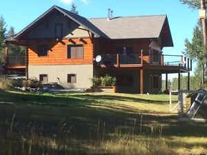 Private lakefront executive home - 23.81 acres