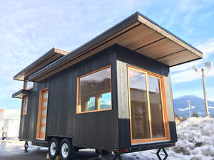 NEW 24′ Modern West Coast Tiny Home / Office / Studio / Guest Ca