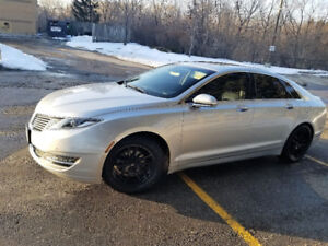 Fully Loaded Hybrid MKZ with Tech Pack/Auto park/Adaptive Cruise